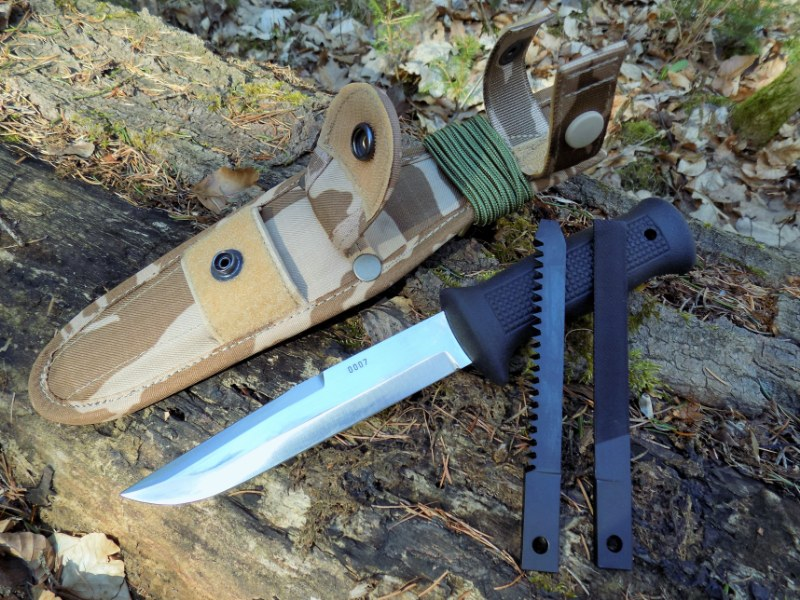 CZ Army Paratrooper Attack Knife UTON 75 M95 Sand Camo Pattern - MIKOV